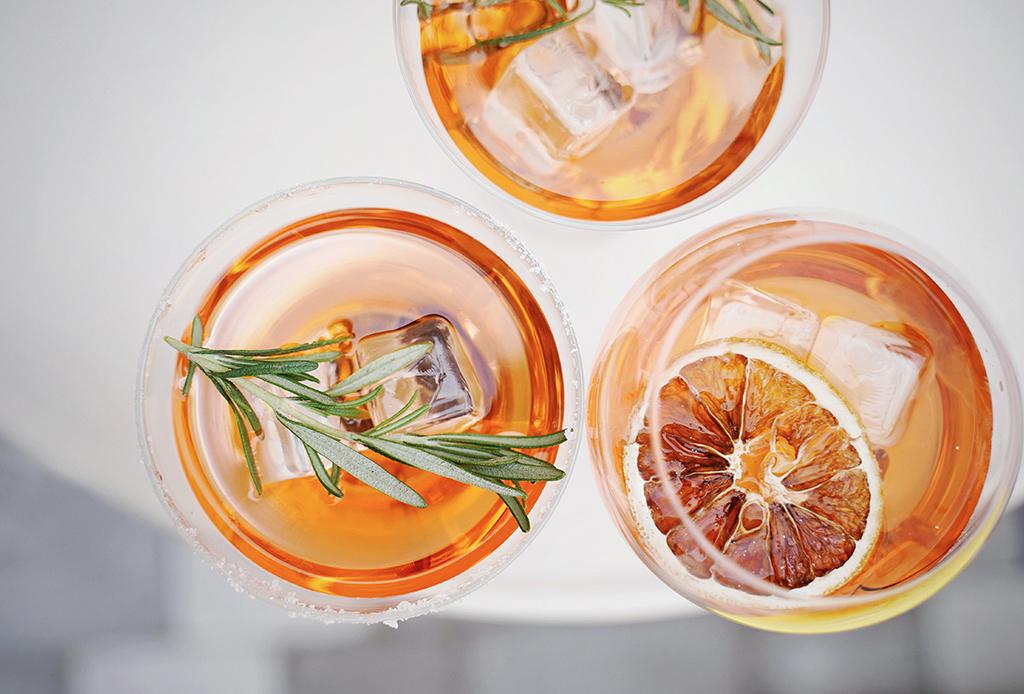 8 bebidas (para todos los gustos) para celebrar las fiestas de Navidad