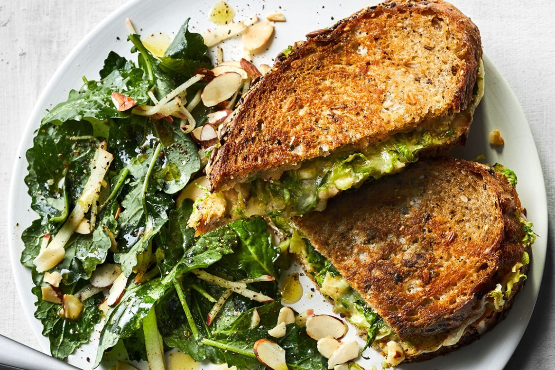 Recetas con kale para un desayuno fácil y saludable - kale-sandwich-hummus