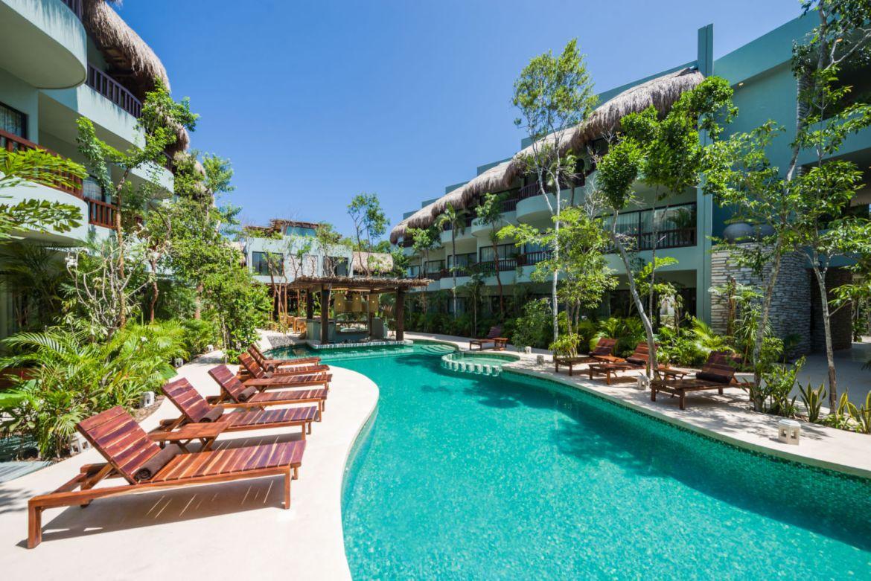 Hoteles en México que abrirán sus puertas en 2021 - kimpton-aluna_piscina_alta-1