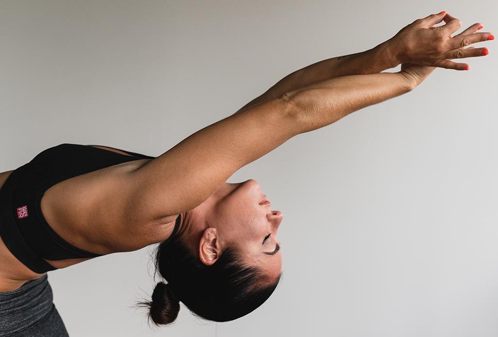 Cómo meditar mientras practicas yoga, puedes hacerlo en 3 pasos - yoga-2