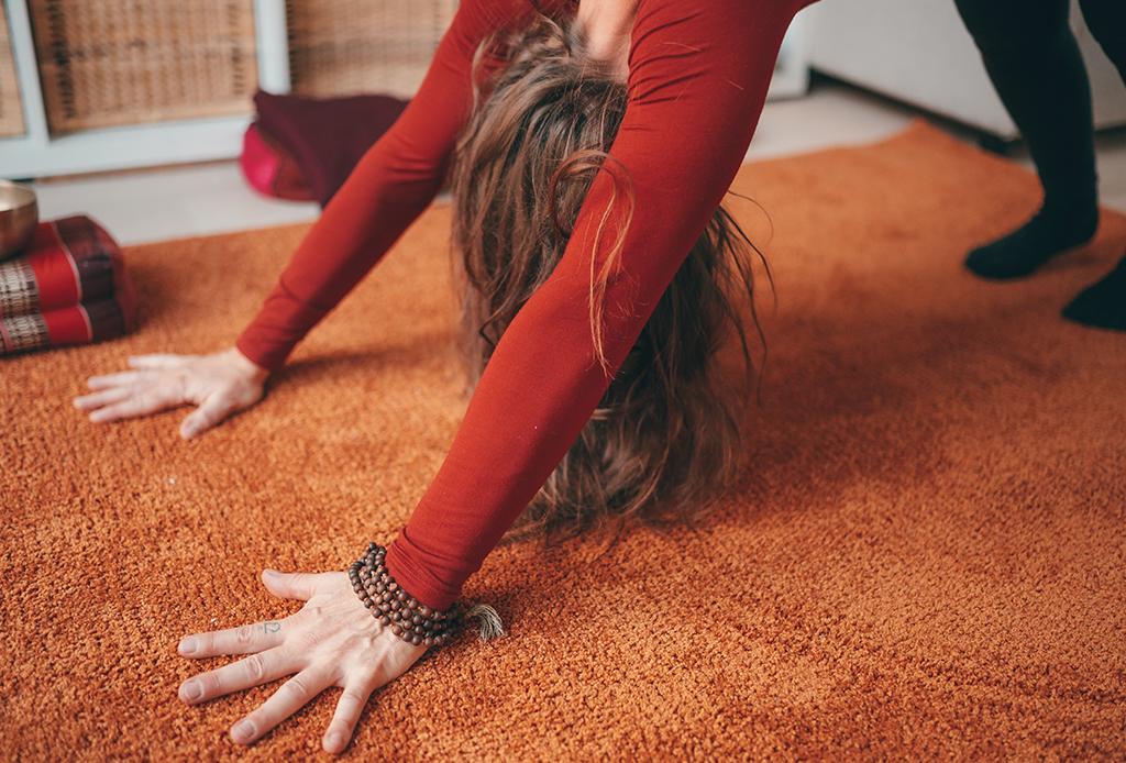 Una secuencia de yoga perfecta para combatir el frío del invierno