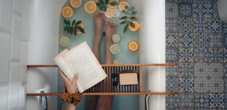 Eleva tu vibra en la bañera ¡Conecta con tu interior! - sabrina-24-2
