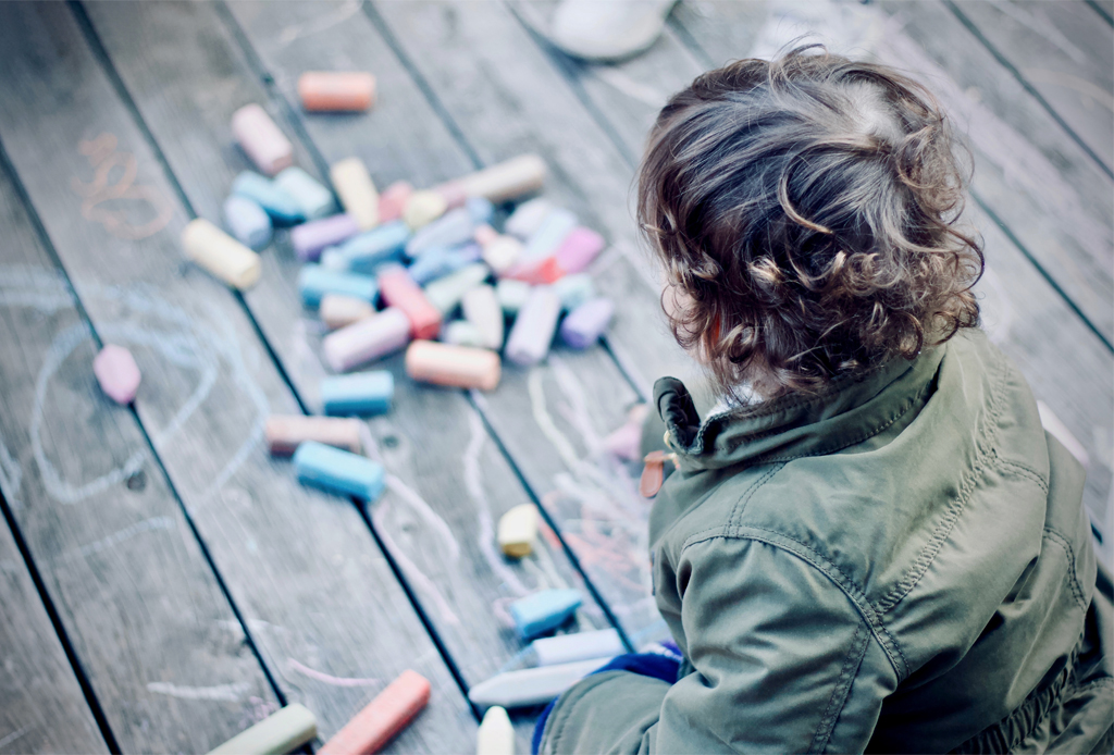Life Hacks: ¿Cómo limpiar la ropa de los niños? - manchas-ropa-ninos-lavado
