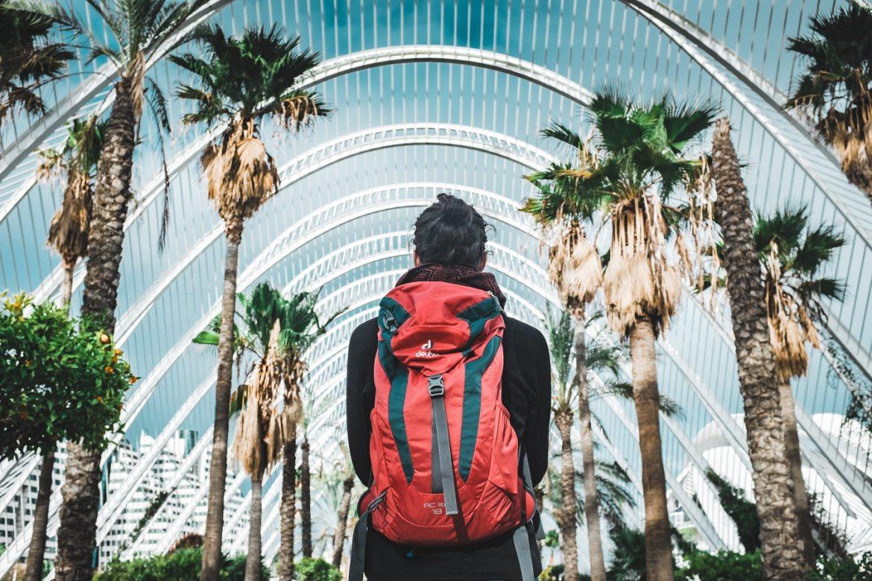 Cosas que debes hacer cuando viajas solo - mochilero-viaje
