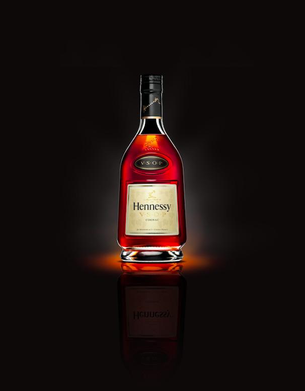 Las mejores botellas para regalarle a papá - hennessy-vsop