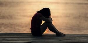 Hábitos que pueden cambiar tu vida cuando te sientes triste