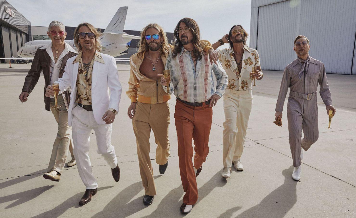 Disco de la semana: «Hail Satin» de Dee Gees (Foo Fighters)