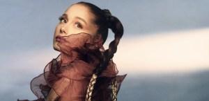 Ariana Grande lanza su marca r.e.m. beauty ¡De extensiones a skincare!
