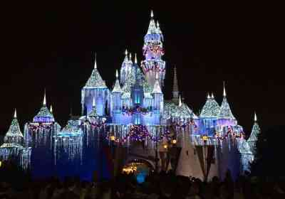 Holidays at Disneyland Resort 2018