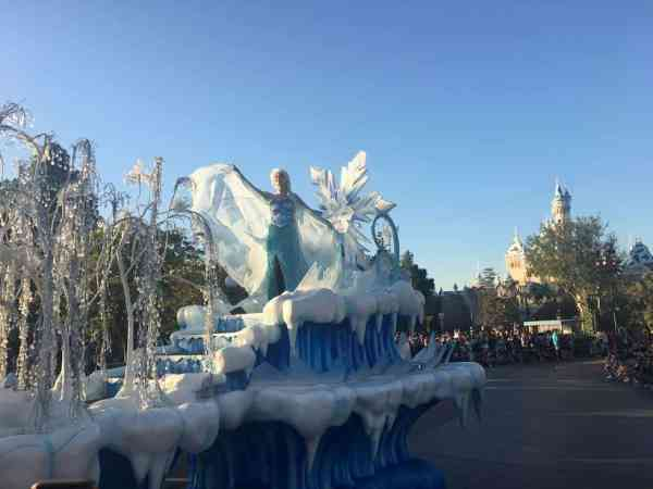 frozen disney parade
