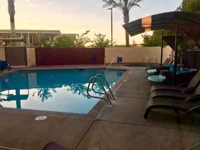 holiday inn express disneyland pool