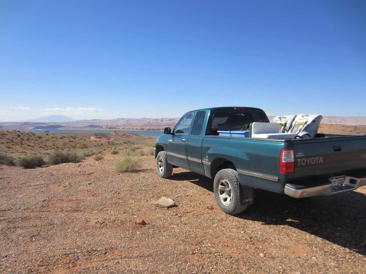 truck-with-camping-gear-bullfrog-marina-overlook