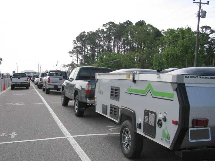 mobile-bay-ferry-loading-line