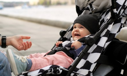 6 top tips to keep your baby warm in the cold weather