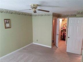 Guest bedroom - has own bathroom and walk-in closet