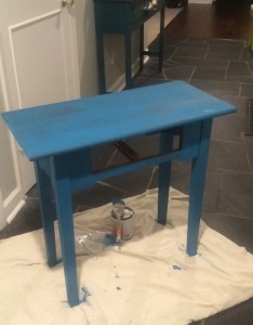 Side table makeover with valspar chalk finish paint the happy housewife home management also rh thehappyhousewife