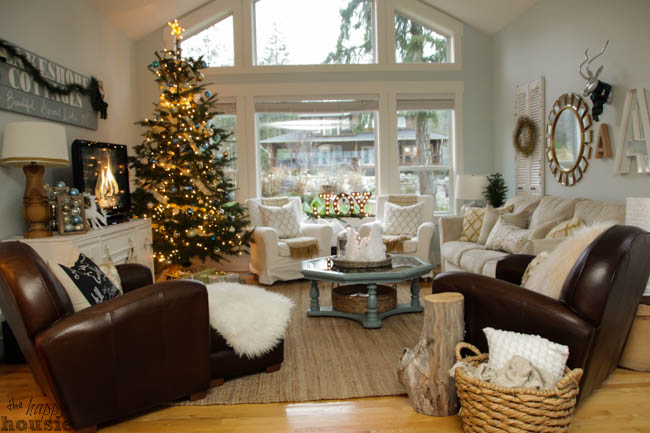 Blue and gold Christmas living room - paint color
