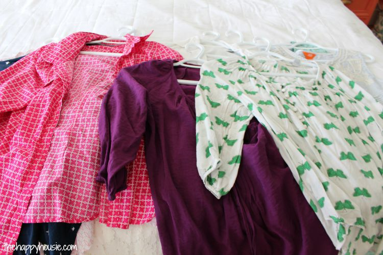 Purging Your Closet from The Happy Housie [Weekly Round-Up at High-Heeled Love]
