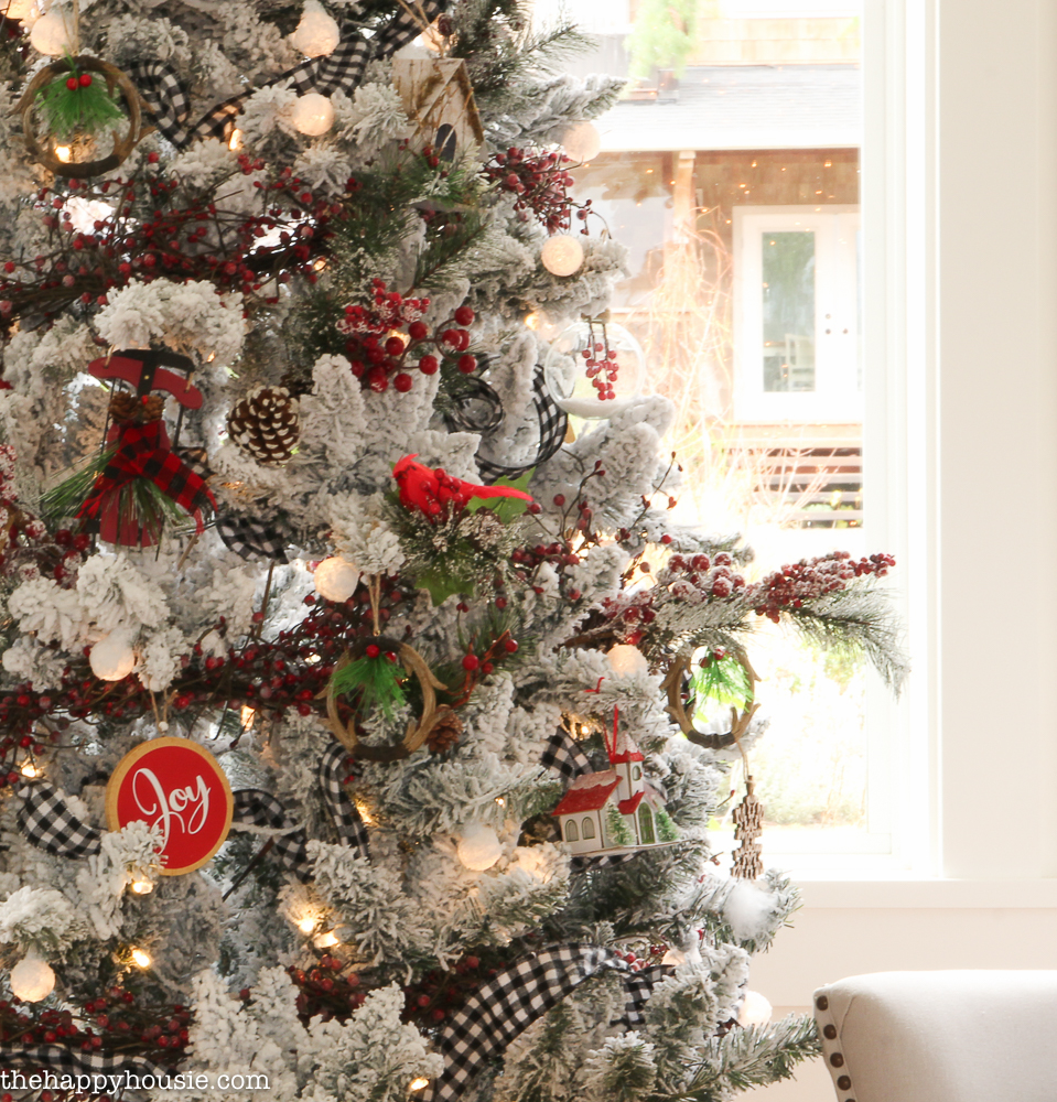 Cabin Chic Winter Woodland Christmas Tree Style  The Happy Housie