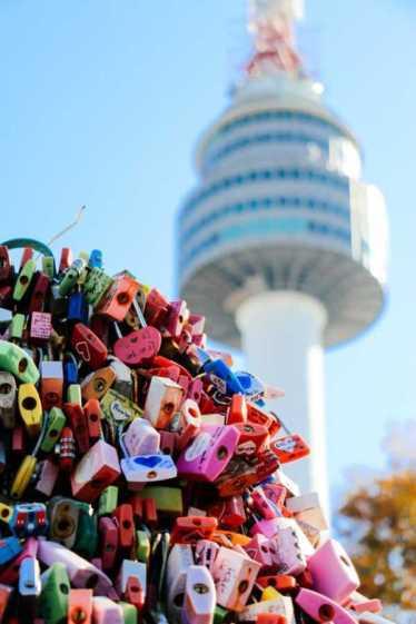 Seoul Sehenswürdigkeiten liebesschlösser am namsan tower seoul