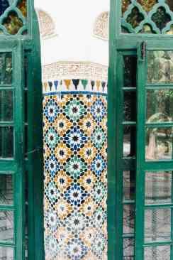 Säule Mosaik Bahia Palast Marrakesch