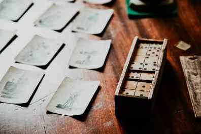 Springfield Illinois Old State Capitol Tisch mit Domino und Spielkarten