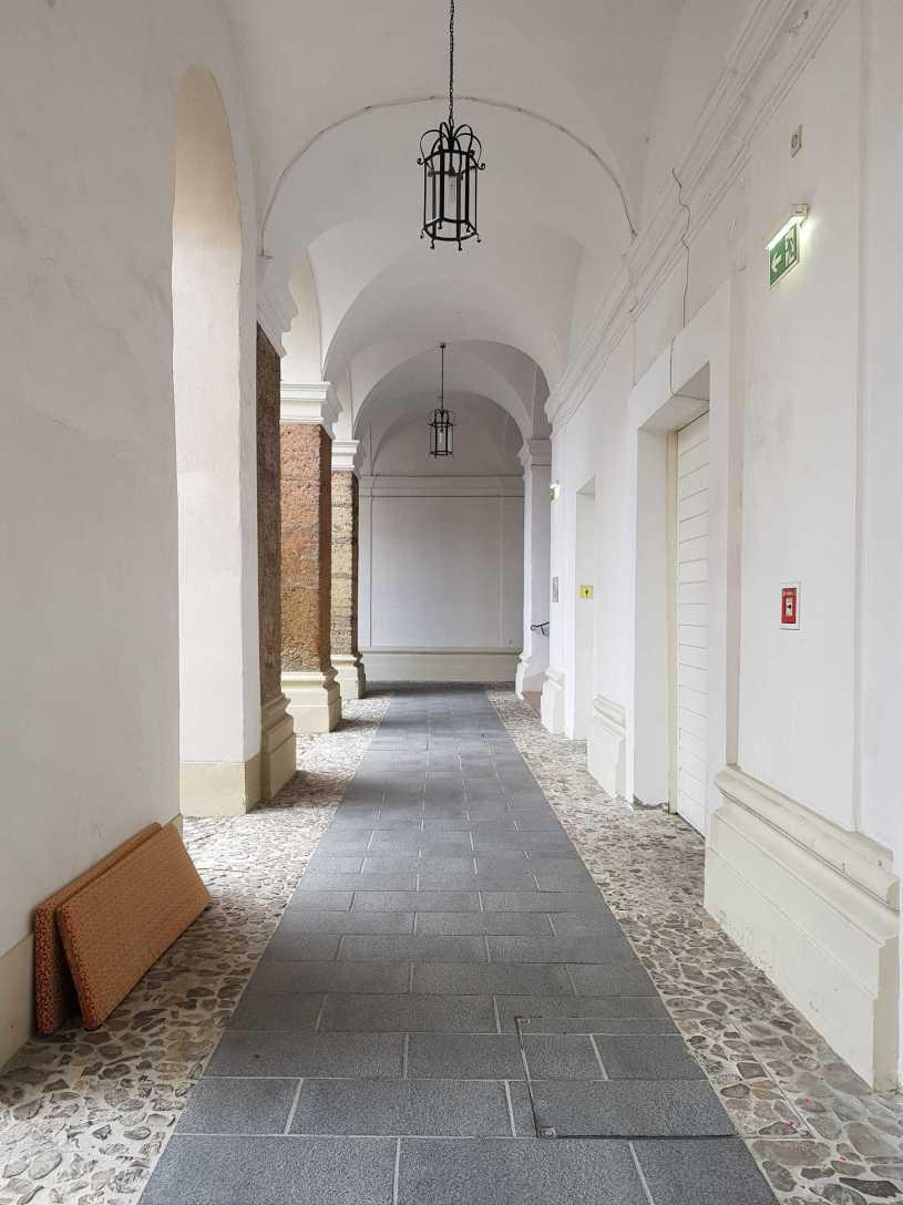 Arkaden im Gaestehaus Priesterseminar Salzburg