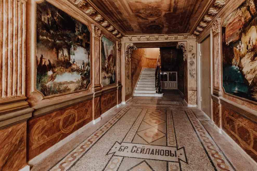 Tiflis Sehenswürdikeiten Hauseingang g tabidze street airbnb