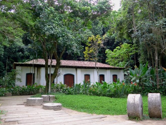 Botanical Garden Rio de Janeiro - Jardim Botanico do RIo de Janeiro - Buildings and mill stones