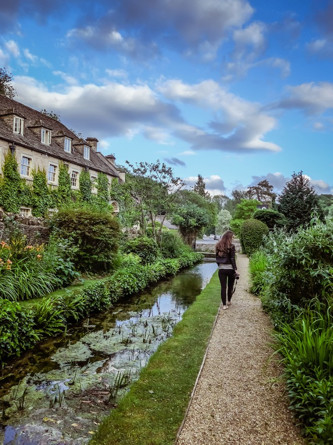 Cotswolds - Bibury - The Swan - English Countryside