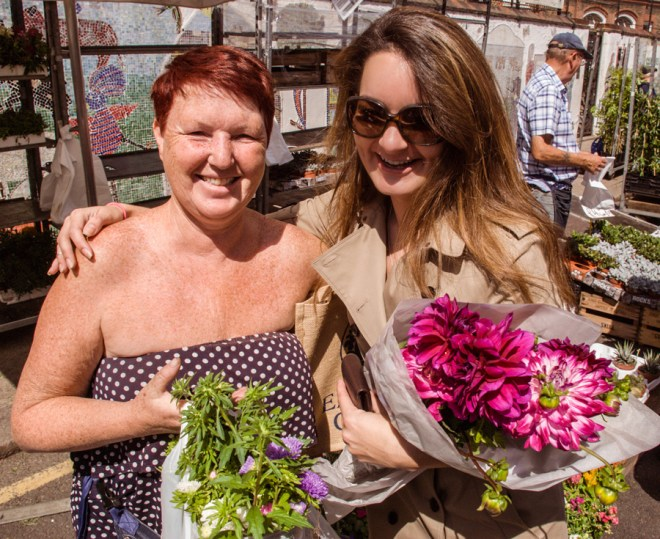 Columbia Road Flower Market - friendly traders