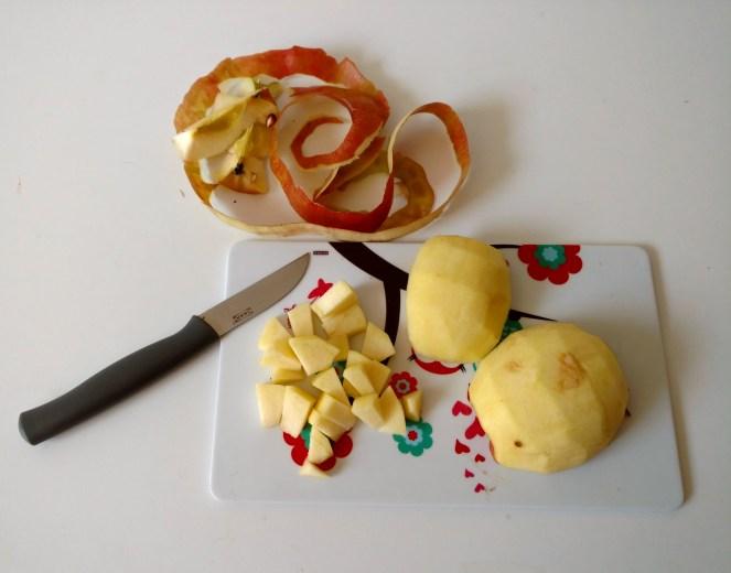 Apfel klein schneiden