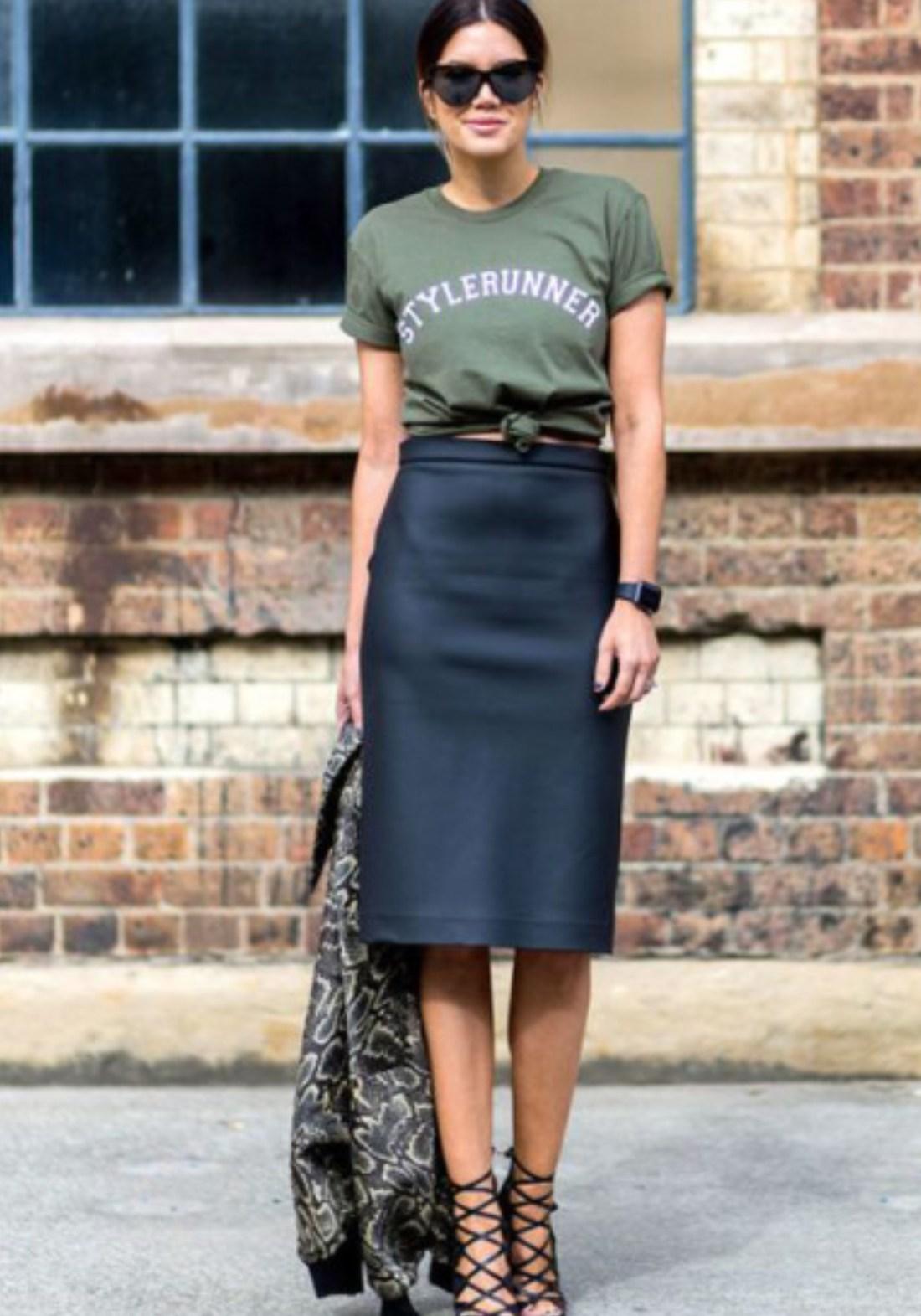 Navy Pencil Skirt + Stylerunner T-Shirt | https://thehautemommie.com/haute-style-midi-skirts-tee-shirts/