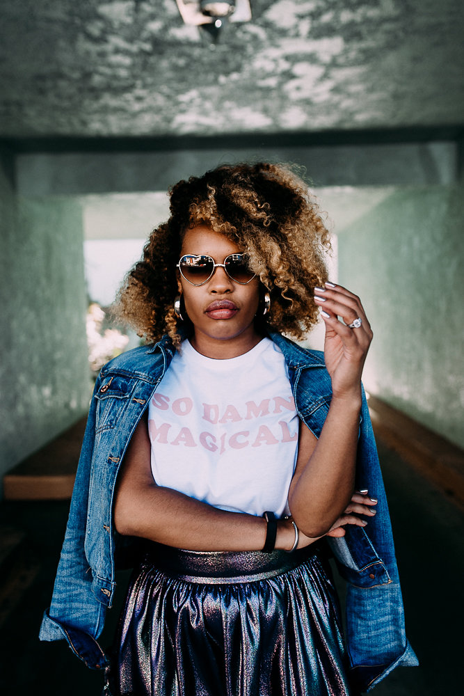 Natural hair worn on style influencer, Leslie Antonoff known as Hautemommie