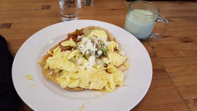 Machata latta green tea and huevos rancherod