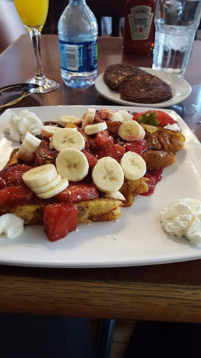 french toast with bannanas and strawberry from Pilsen B&G