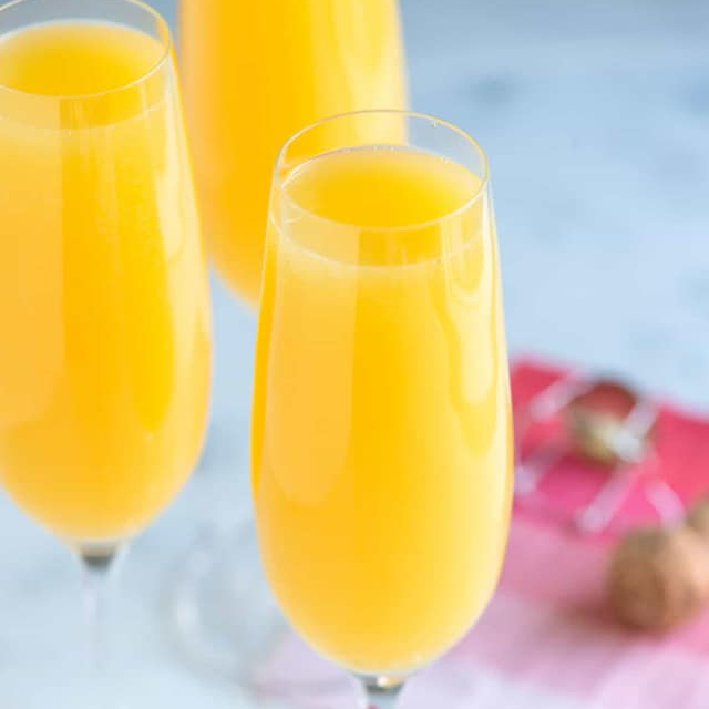Mimosas at Zia's Lago Vista in Chicago as featured in The Haute Seeker Bottomless Brunch Guide