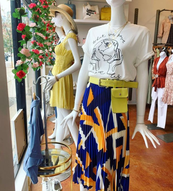 Mannequins in store at Tribeca Boutique in Chicago featured on The Haute Seeker Seek Like a Local