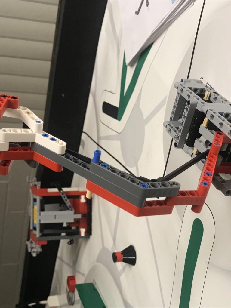 MMK Smart Center robotics
