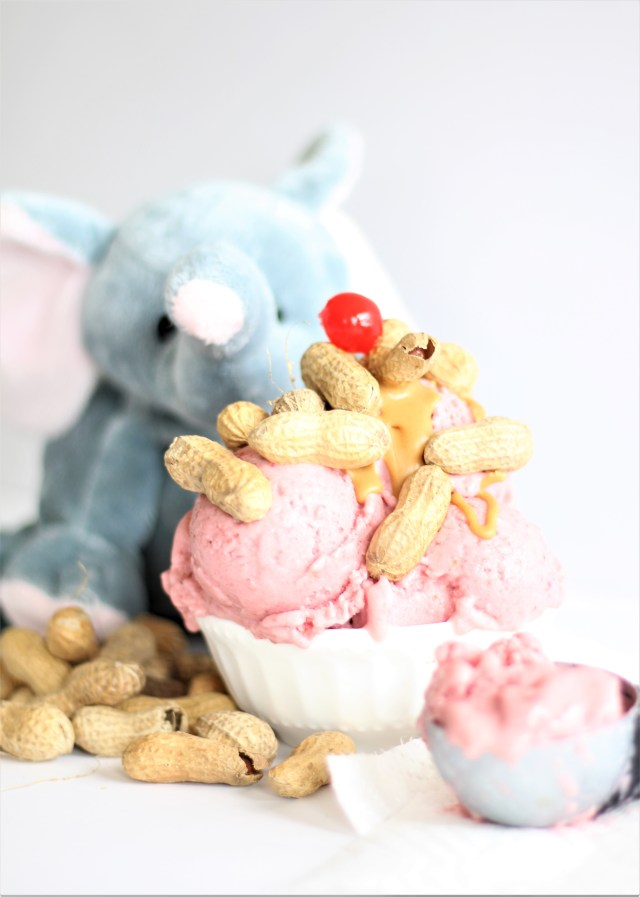 Vegan Strawberry and Peanut Butter Sundae! Inspired by the movie Zootopia! Zootopia recipe - Zootopia ice cream - Zootopia dessert - Elephant dessert - vegan and gluten free ice cream