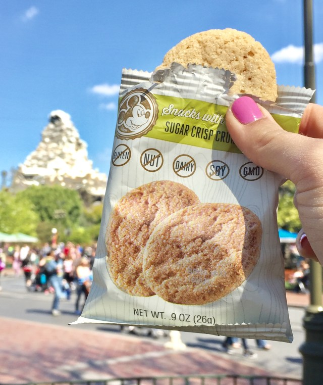 Healthy Snacking at Disneyland - New Enjoy Life Foods at Disneyland, for allergy friendly snacking while visiting Disneyland Resort! #Disneyland #Enjoylifefoods #ad