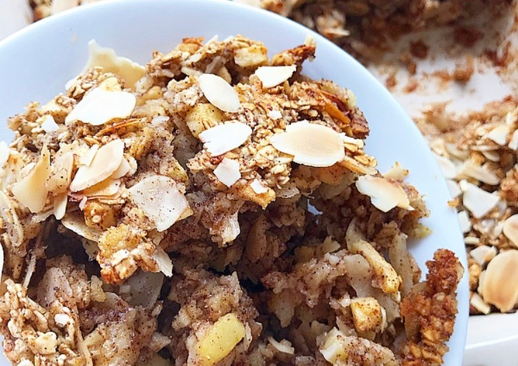 Apple, Pear and Almond Oatmeal Bake