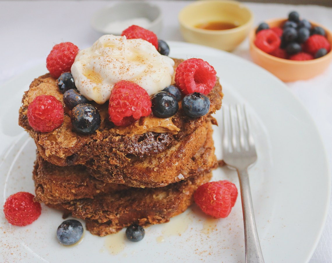 This vegan French toast is so easy it can be made in 5 minutes. It's healthy, tender and crispy made with flax, almond milk and gluten-free bread.