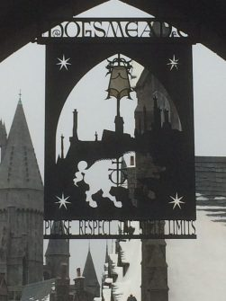hogsmeade entrance sign - theheartofabookblogger