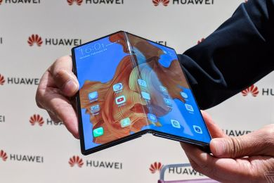 HUAWEI HAS UNVEILED THE MATE X FOLDING PHONE, WHICH WILL COMPETE WITH SAMSUNG'S GALAXY FOLD.