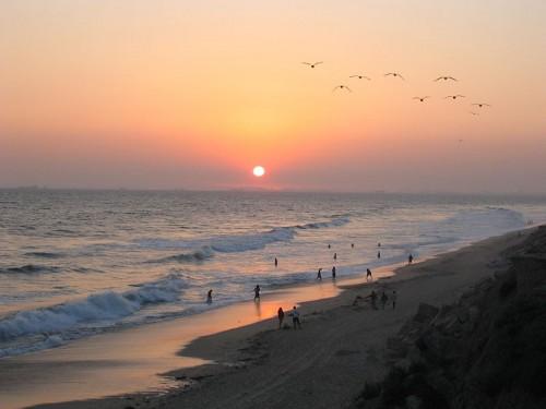http://en.wikipedia.org/wiki/File:Sunset_at_Huntington_Beach.jpg