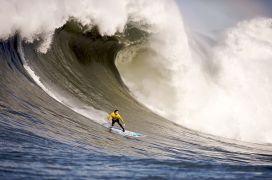 http://commons.wikimedia.org/wiki/File:Mavericks_Surf_Contest_2010b.jpg
