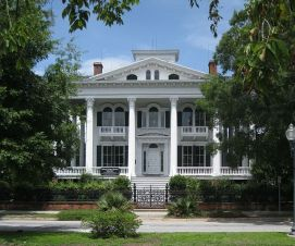 http://en.wikipedia.org/wiki/Bellamy_Mansion#mediaviewer/File:Bellamy_Mansion_Wilmington_NC_front_02.jpg