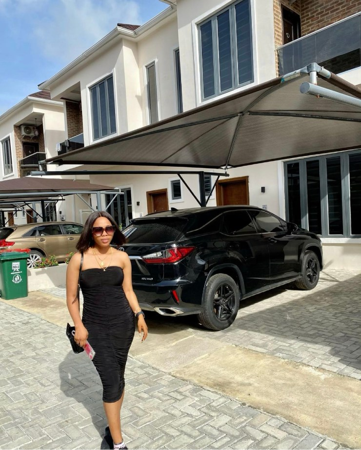 Nollywood Actress Bukola Adeeyo, joins the league of landladies. Check  out the beautiful Pictures of her New acquired Duplex.