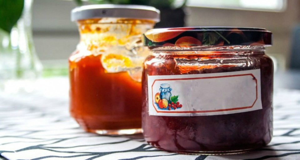 Making-Wildflower-Jam-recipe